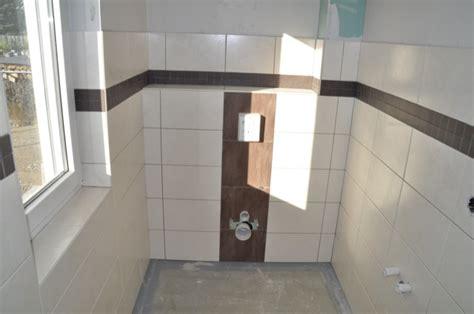 helle dunkle und mosaik fliesen fuer die gaeste toilette