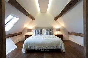 Schlafzimmer mit Dachschräge gestalten: 8 Tipps