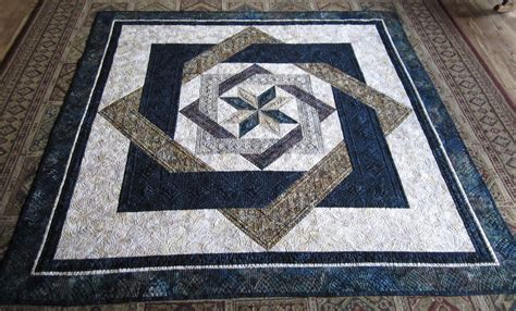 labyrinth quilt pattern free sue daurio s quilting adventures labyrinth quilt is done
