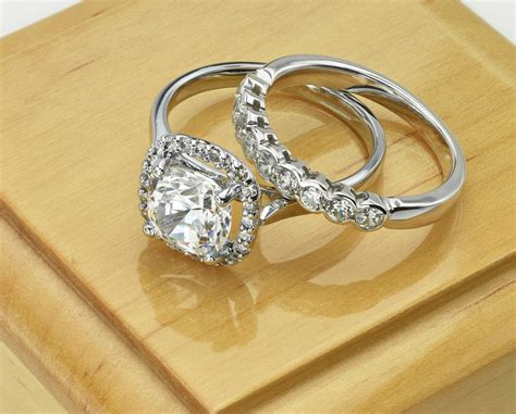 jewelry roundtable simple vs flashy engagement rings
