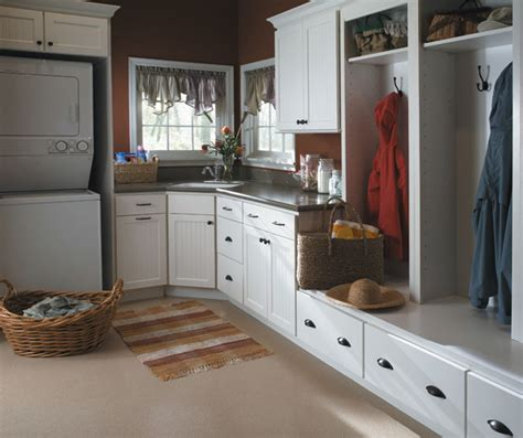 how to organize kitchen cabinets in a small kitchen bayport beadboard style cabinet doors homecrest 9922