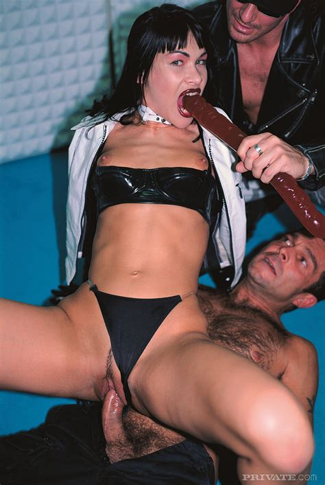 Latex whore gets a pounding - Web Porn Blog