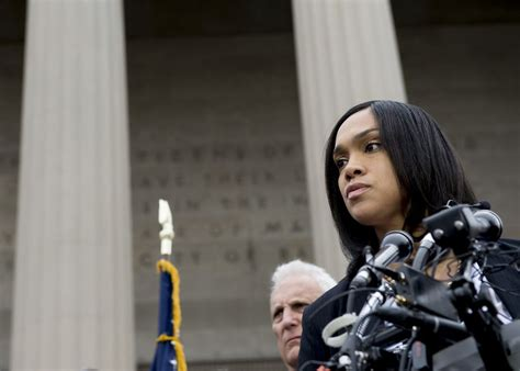 attorneys  baltimore cops charged  freddie grays