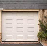 Isoler Une Porte De Garage : agencer un garage en fonction de la place disponible ~ Dailycaller-alerts.com Idées de Décoration