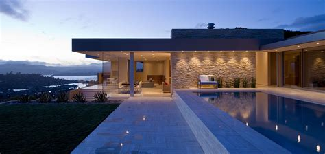 Stunning California Modern Home by Garay Residence Stunning Contemporary Home With
