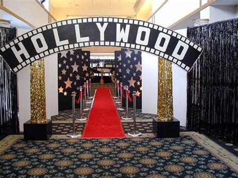 hollywood entrance    entertaining parties