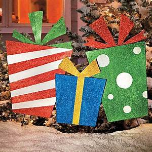 DIY outdoor yard ts Plywood stakes and glitter paint