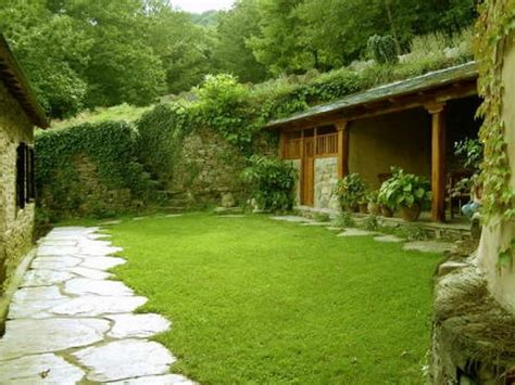 eco friendly landscaping ideas eco friendly amazing green home house design with natural steps stone and backyard patio ideas