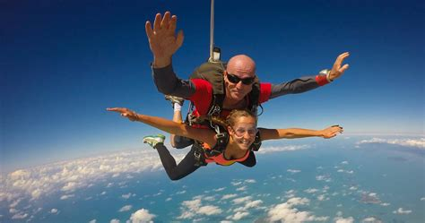 Parachute Dive by Tandem Skydive Mission Rtw Backpackers