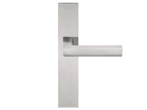 poignees de portes design poign 201 e de porte en acier inoxydable sur plaque s 201 rie two by formani 174 design piet boon