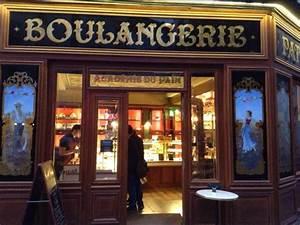 paris breakfasts: October Boulangerie Paris Letter