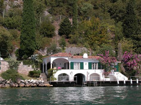 haus am gardasee kaufen elegante villa direkt am see tignale
