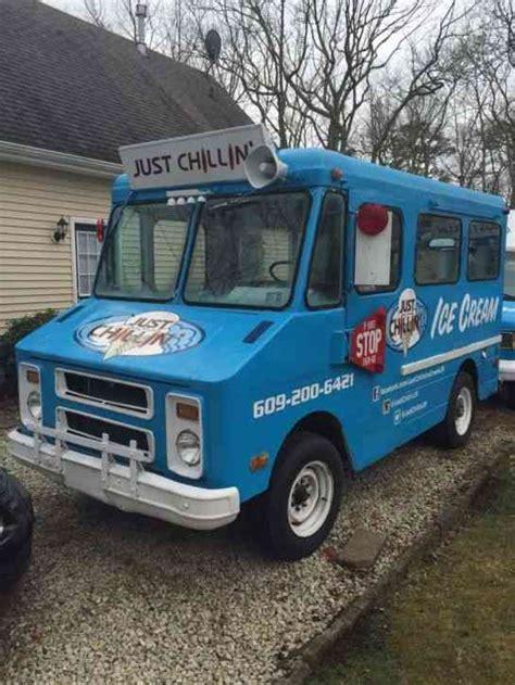 chevrolet  van box trucks