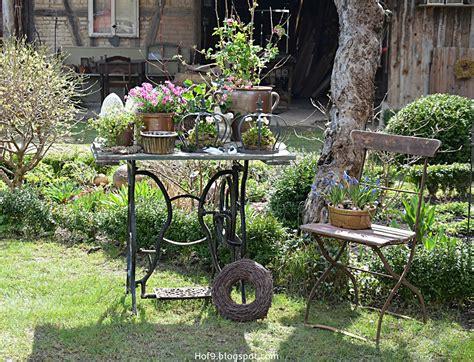 Gartendekoration Vintage by Gartendekoration Mit Alten N 228 Hmaschinengestell Gartendeko