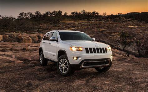 Jeep Desert Hawk 2020 by Comparison Jeep Compass 2015 Vs Jeep Renegade 2017