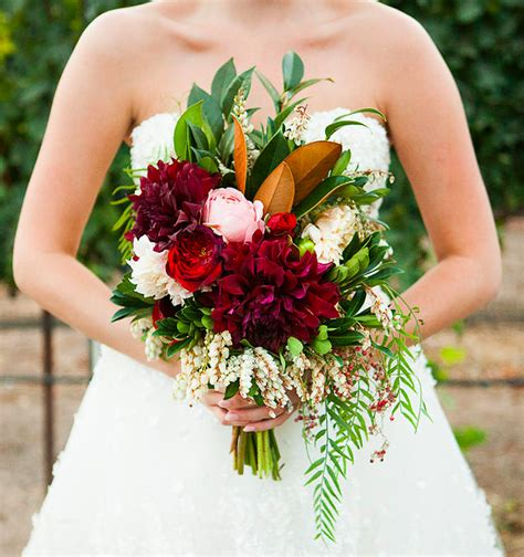 7 Ways To Select Your Wedding Flowers  Rustic Wedding Chic