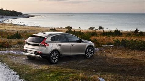 cross country volvo cars