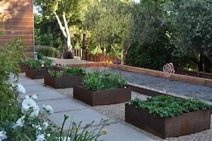 22 Fabulous Container Garden Design Ideas for Beautiful