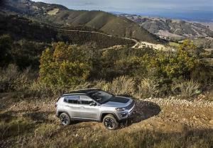 Essai Jeep Compass 2017 : premier essai jeep compass limited et trailhawk 2017 motor trend canada ~ Medecine-chirurgie-esthetiques.com Avis de Voitures