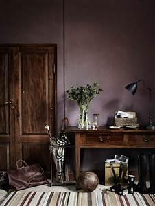 80 idees d39interieur pour associer la couleur prune for Tapis couloir avec canapé couleur prune