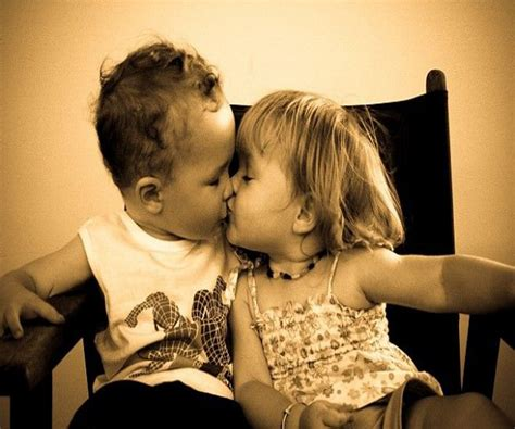 Best Romantic Kiss Kissing Picture Pics
