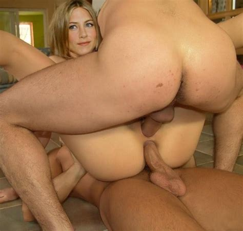 pretty jennifer aniston playing with her pussy pichunter