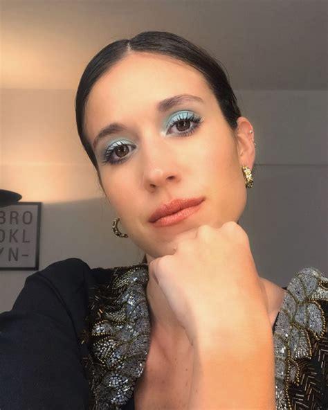 M E G A M A K E U P Makeup