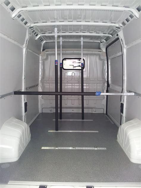 transit custom fahrzeugeinrichtungen laderaumschutz