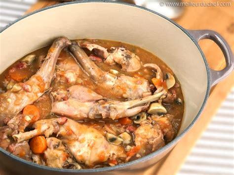 cuisiner le lapin au vin blanc lapin sauté chasseur fiche recette avec photos