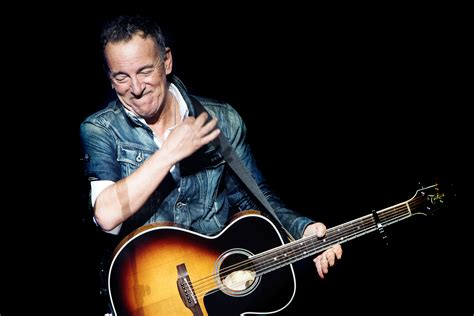 Bruce Springsteen Dropping Hints About New Album