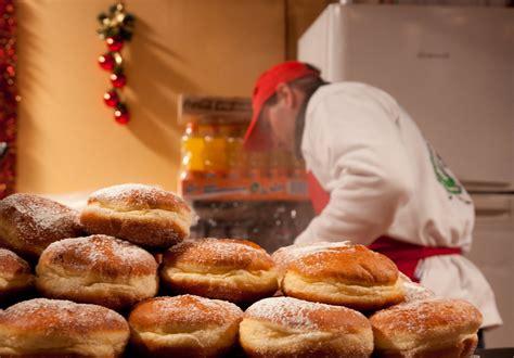 strasbourg france christmas market food vendor