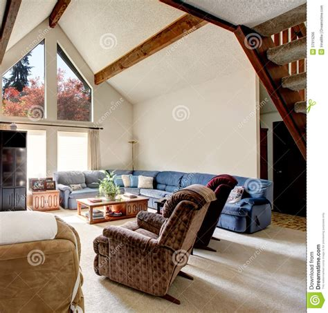 Big Log Cabin Style Living Room With Rocky Wall Design Royalty Free Stock Image   Image: 37915266
