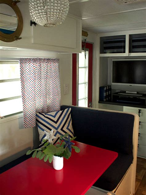 Decorating Ideas Vintage Travel Trailer by Vintage Cer Makeover Travel Trailer Decorating Ideas