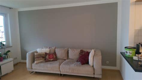 Farbige Wand Streichen by W 228 Nde Streichen Einfach Farbig Mit Sauberen Kanten Und