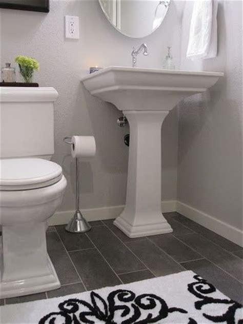 half bathroom ideas gray 25 best ideas about small grey bathrooms on