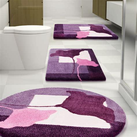 Luxury Bathroom With Dark Purple Bathroom Rug Set, And