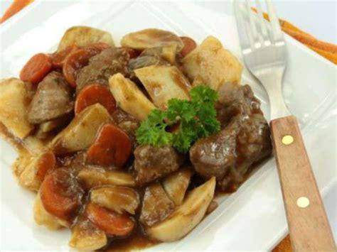 cuisine à la mijoteuse recettes de bœuf bourguignon et mijoteuse