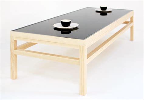 Ein Aussergewoehnlicher Teetisch Mit Wasser Tischplatte by Ein Au 223 Ergew 246 Hnlicher Teetisch Mit Wasser Tischplatte