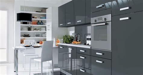 modele cuisine but cuisine équipée grise cuisine en image