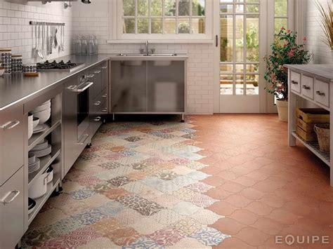 arabesque tile ideas  floor wall  backsplash