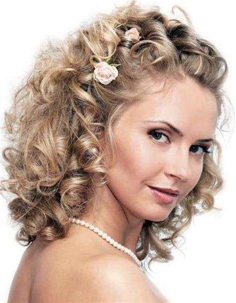 indian wedding hairstyles  curly hair wedding