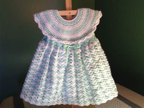 crochet baby dress how to crochet a baby dress easy shells doovi