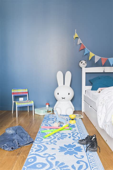 chambre peinture bleu le magazine ripolin quelle couleur associer au bleu