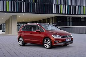 Golf Sportsvan 2017 : 2018 volkswagen golf sportsvan refreshed just in time for frankfurt autoevolution ~ Medecine-chirurgie-esthetiques.com Avis de Voitures