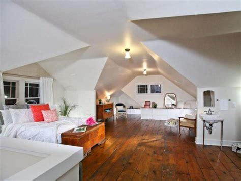 luxurious attic designs  king sized beds