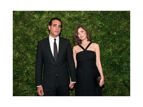 rose byrne official instagram celebrity bump watch 2016 see who is pregnant