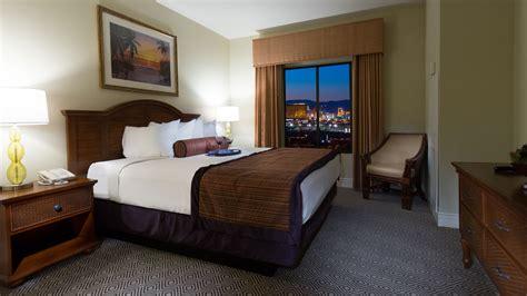 Two Bedroom Suites Las Vegas by 2 Bedroom Suites In Las Vegas Royal Tahitian Tahiti