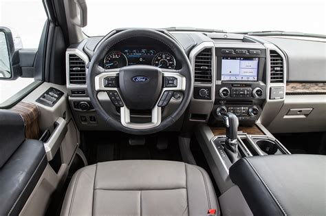 ford   lariat  xl  test excellence