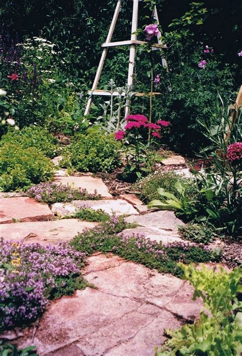 flagstone pavers ideas  pinterest backyard pavers diy decking   budget