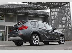 2011 BMW X1 gets two models and new engines photos